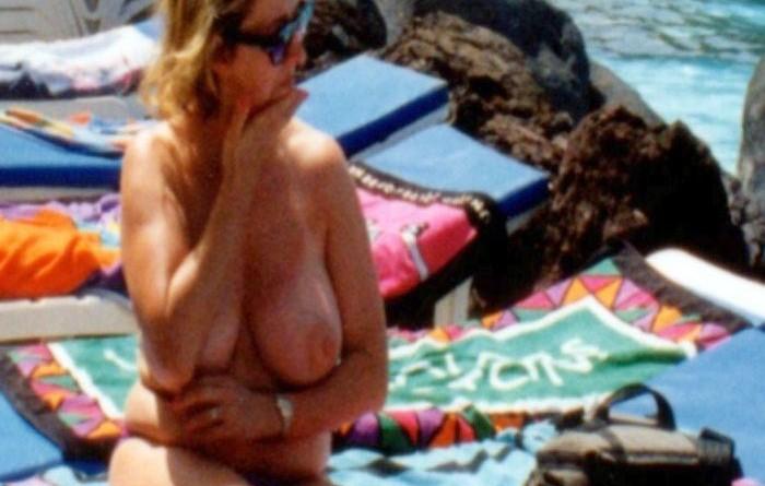amateur milf nude