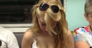teen cleavage