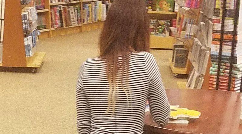 buttcrack in public